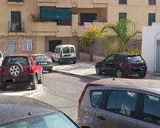 denuncia-coches-aparcados-aceras-nerja-2