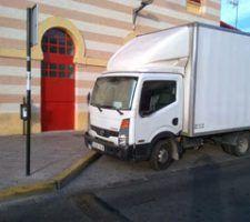 denuncia-camion-mal-aparcado