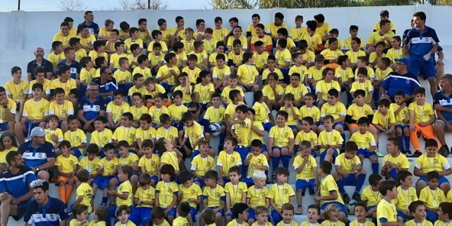 Fiesta fin de temporada Escuela Municipal Fútbol Nerja 2018