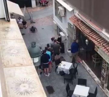 Denuncia a Bar en C/ El Barrio 46