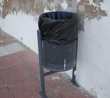 Abandono en calle Hernando de Carabeo